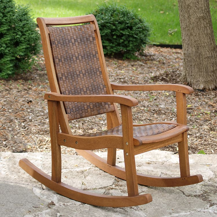 Качалка из дерева с плетёными сиденьем и спинкой
