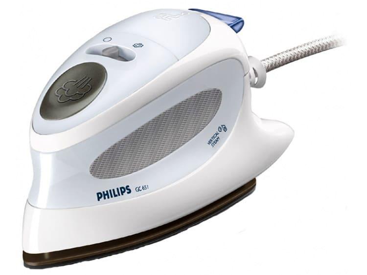 Philips EG 651, цена – 2750 рулей. Модель необычной формы и хорошего качества. Обеспечена устройством с принудительной подачей пара, что обеспечивает вертикальное разглаживание