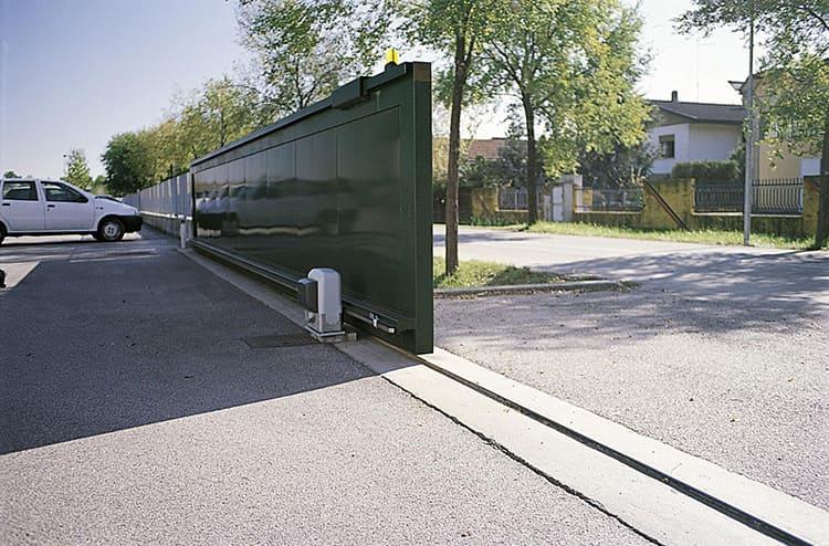 Количество материала, требуемое для откатной системы, зависит от дизайна и размера ворот