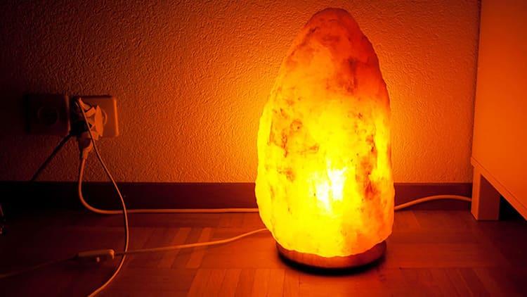 Считается, что насыщенный янтарный свет улучшает мыслительные способности и ускоряет интеллектуальное развитие.