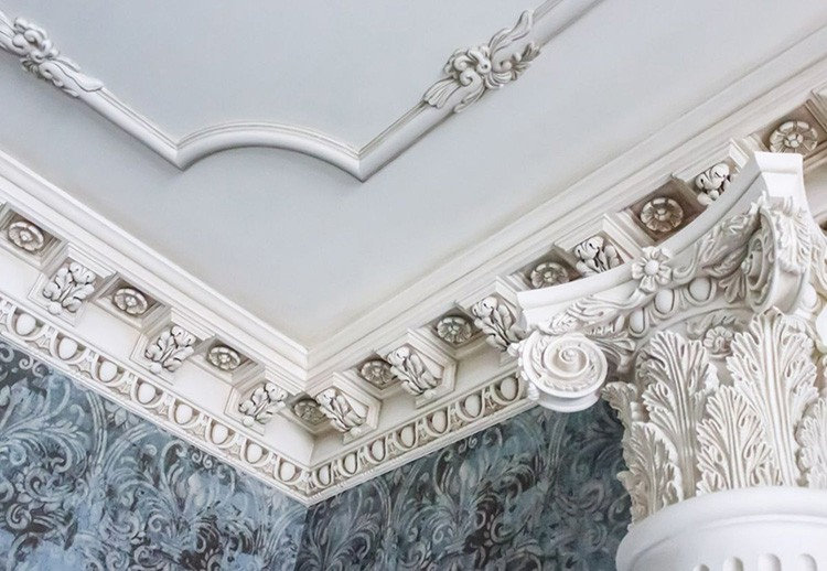 Стилистическое оформление комнаты – важный критерий при выборе лепнины из гипса