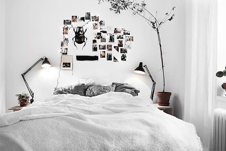 Чёрные элементы декора в небольшом количестве подчеркнут светлую цветовую гамму всего помещения