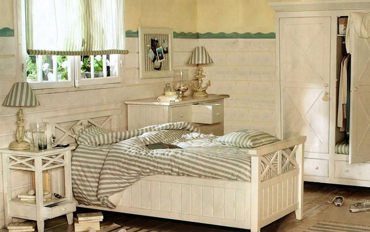Комната подростка, девочки или мальчика часто становится оформленной нейтральными оттенками. Деревянная мебель больше подходит молодым людям, чем металлическая.