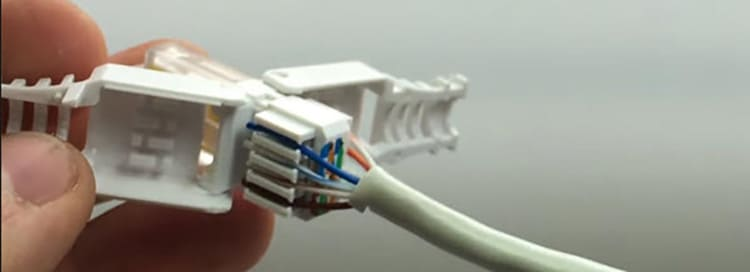 Самообжимной коннектор позволяет обойтись без кримпера