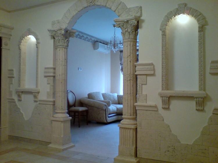 Все элементы должны соответствовать стилистическому оформлению помещения