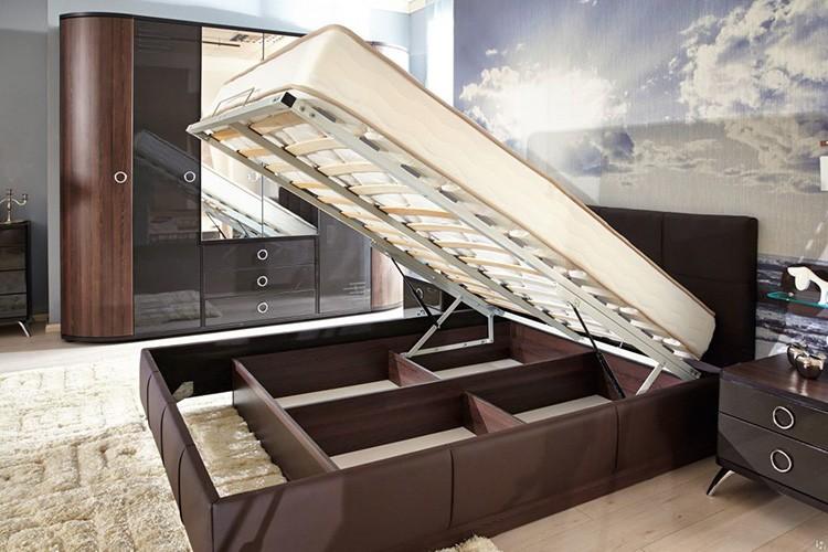 Подъёмный механизм спального места на газлифтах