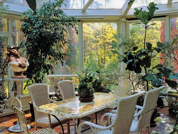Мебель для зимнего сада привезена из Флоренции