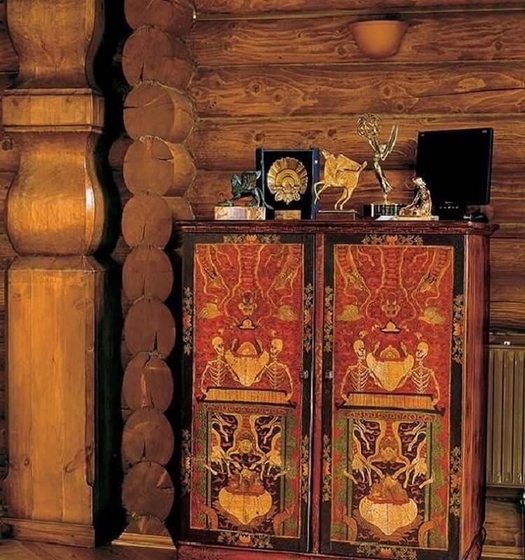 Китайский шкаф с ручной росписью