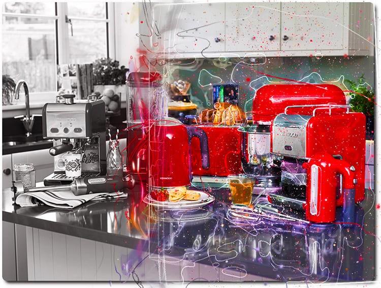 Очень много бесполезной техники скапливается на кухне, занимая полезную площадь.