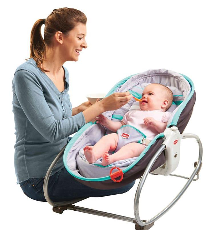 Шезлонг для новорождённого прослужит долго.