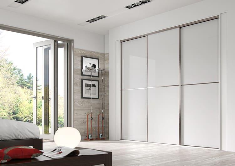 Многообразие современной мануфактуры позволит сделать любой шкаф практически невидимым
