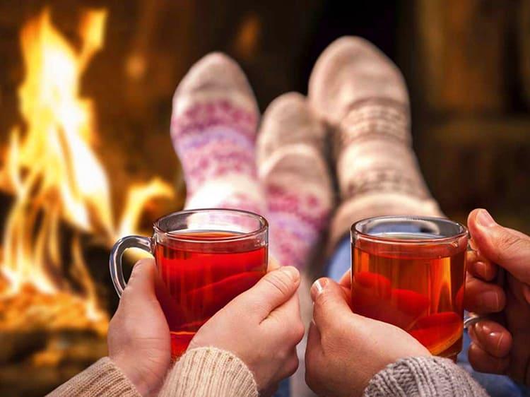 Чашка горячего ароматного чая всегда поможет согреться в холода.