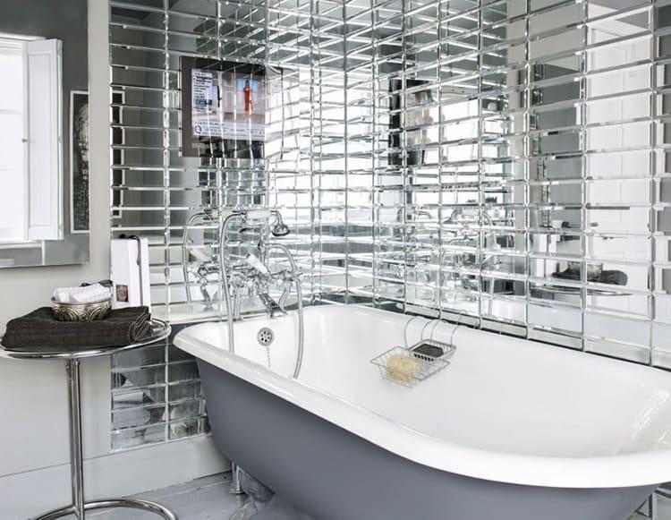 Отличный результат даёт зеркальная плитка, «умножающая площадь».