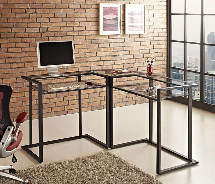 Угловой компьютерный стол из металла и стекла