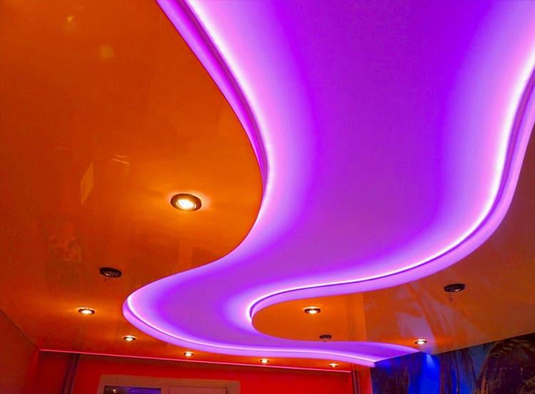 Дизайн двухуровневого натяжного потолка зависит от назначения комнаты