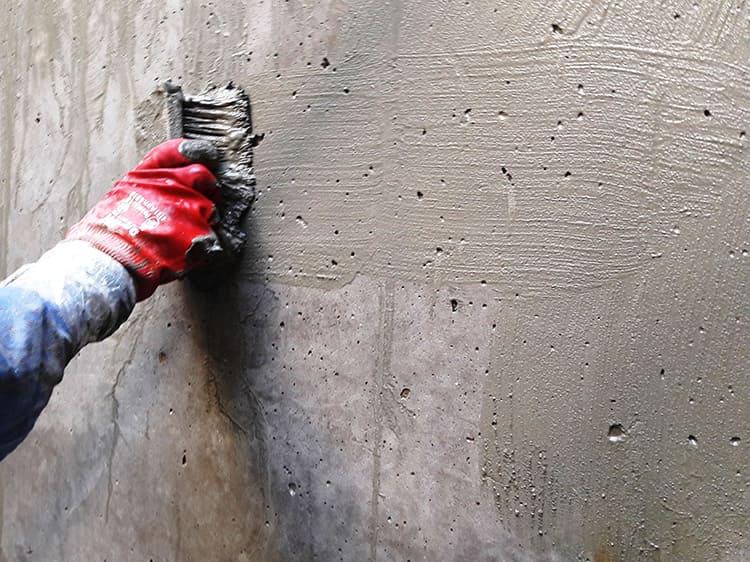 Грунтовка должна наноситься на очищенную поверхность