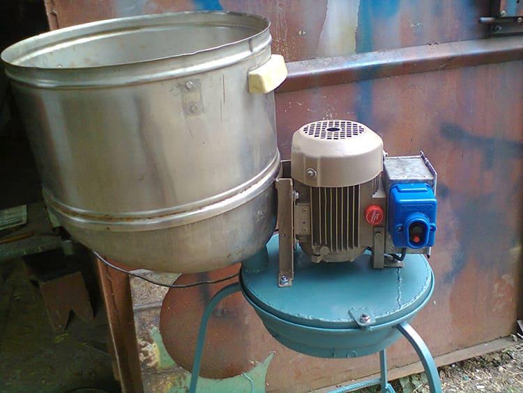 Стиральная машина – хорошая основа для дробилки зерна