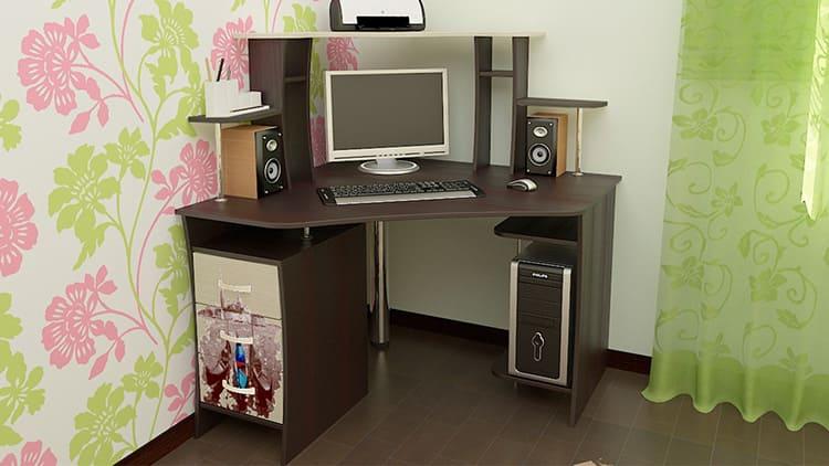 Диагональный угловой стол для компьютера