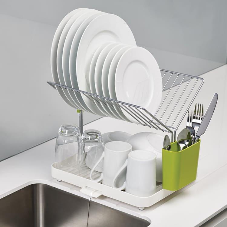 Посуда, востребованная каждый день, должна быть в свободном доступе.