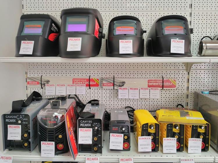 В дополнение к сварочным аппаратам, Ресанта предлагает внушительный выбор стабилизаторов, датчиков и измерительных приборов