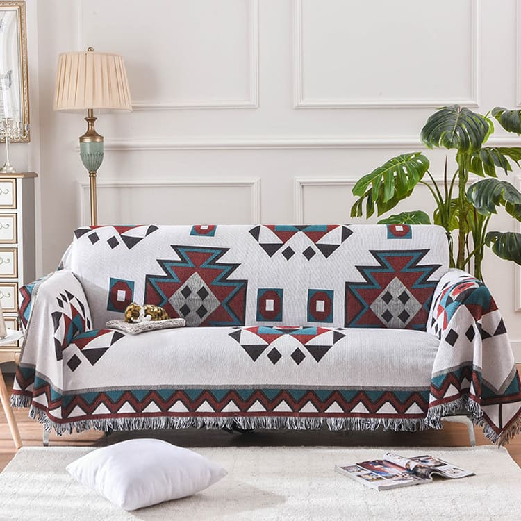 Это плотное толстое покрывало отлично подойдёт для вашего дивана.