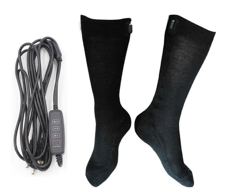 Носки греют уже при минимальном положении регулятора температуры. Этого достаточно для согрева ног.