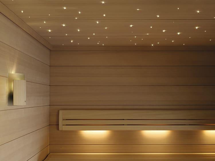 Светильники в сауне нужно оборудовать абажурами или экранами