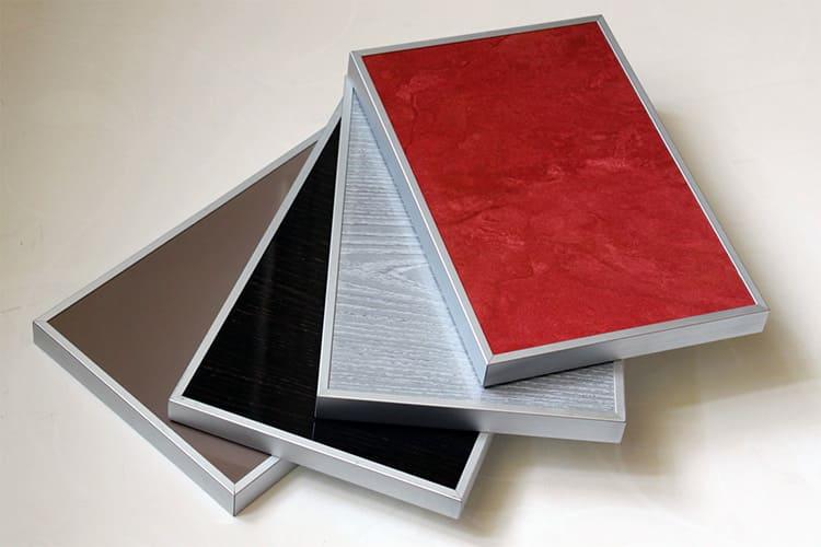 Пластиковый фасад в алюминиевой рамке