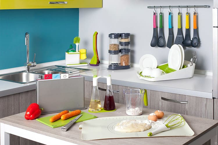 Множество интересных аксессуаров облегчат процесс приготовления пищи.