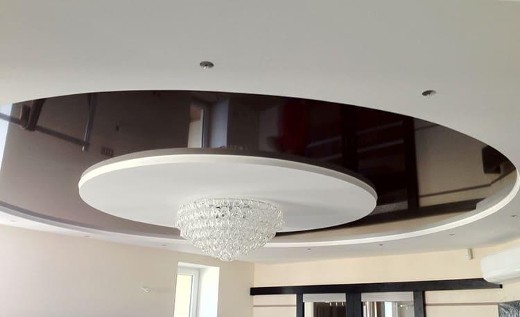 Фактура и цвет двухуровневого натяжного потолка выбираются индивидуально