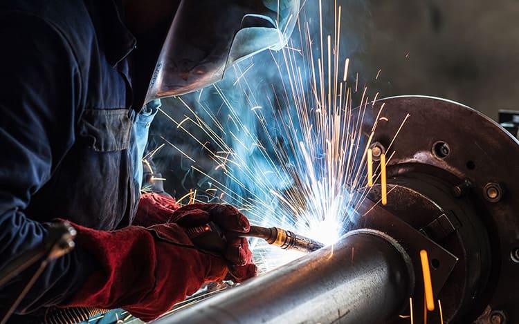 Такая работа считается дорогостоящей и применяется, в основном, для небольшого объёма работ