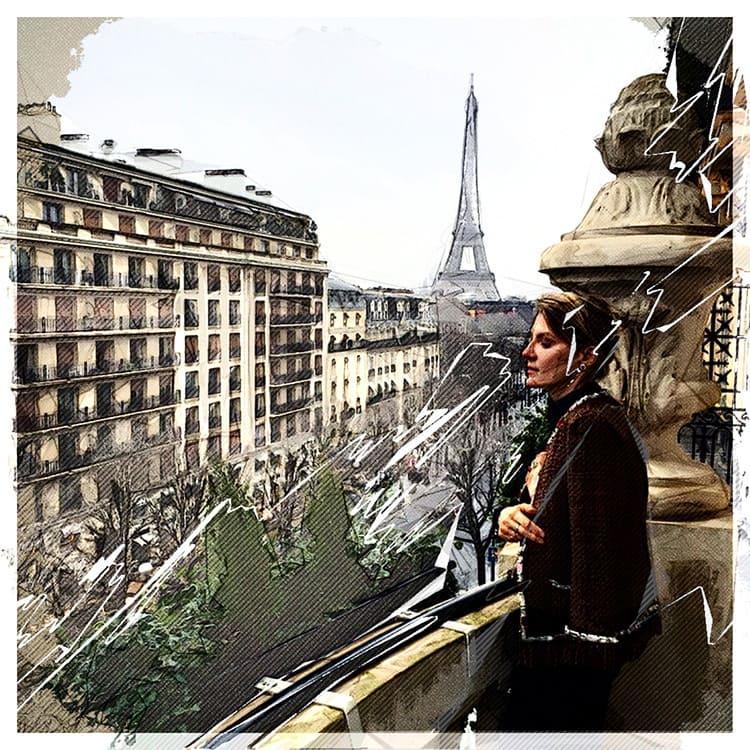 Сегодня Рената Литвинова наблюдает за жизнью Парижа совсем другими глазами.