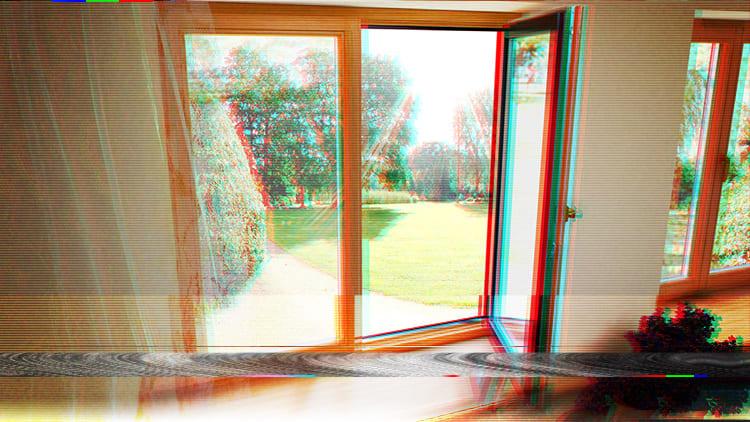 Деревянное окно со стеклопакетом делает дом теплее