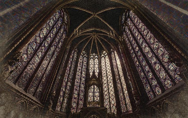 Высочайшие своды и неповторимая радуга витражей – классика католических соборов