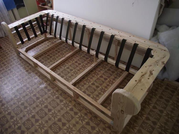 Деревянный каркас дивана