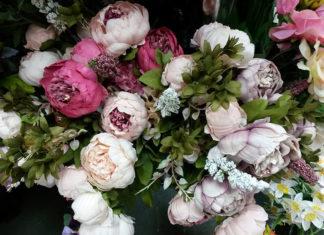 Как правильно выбрать или самостоятельно изготовить цветочные композиции из искусственных цветов для интерьера