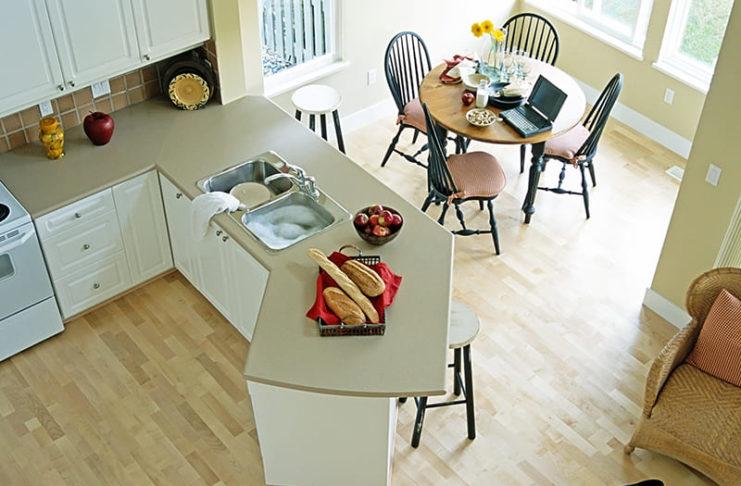 Качество, стиль и красота – веские причины, чтобы выбрать водостойкий ламинат для кухни