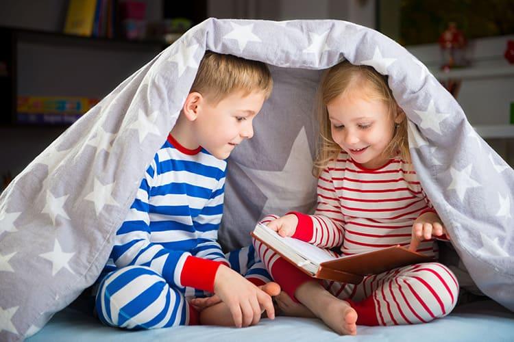Не покупайте натуральные изделия для детей, страдающих астмой или аллергиков. Для них лучший вариант – шёлковые или хлопковые волокна