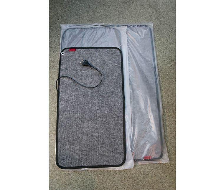 Размер зависит от назначения коврика с подогревом