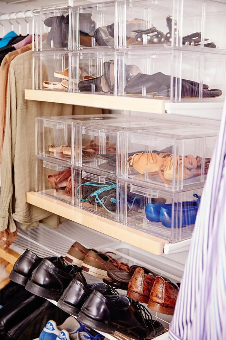 Заведите корзину для временного хранения старых или ненужных вещей