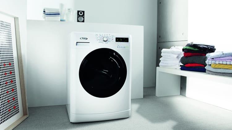 Базовый набор программ стиральной машины Вирпул позволит отстирать различные ткани