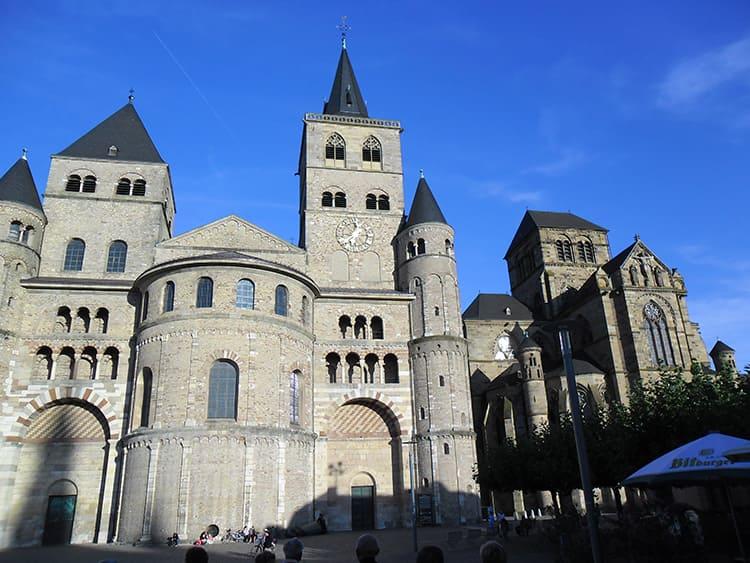 Либфрауэнкирхе, церковь Пресвятой Девы Марии, заложенная в 1230 году
