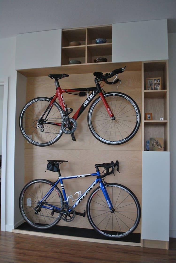 Внутреннее пространство шкафов можно организовать по-разному