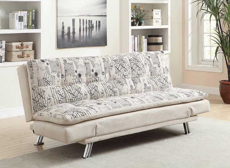 Прямой диван с раскладывающимися подлокотниками