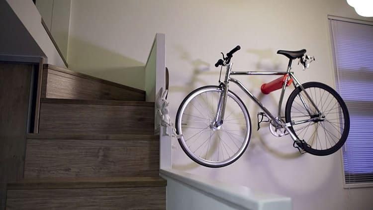 Для велосипеда всегда найдётся подходящее место на стене