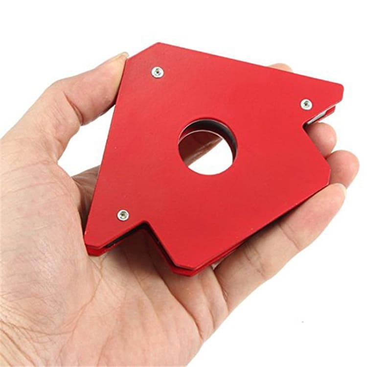 Мощный магнит зафиксирует любую деталь в нужном положении и освободит ваши руки для работы