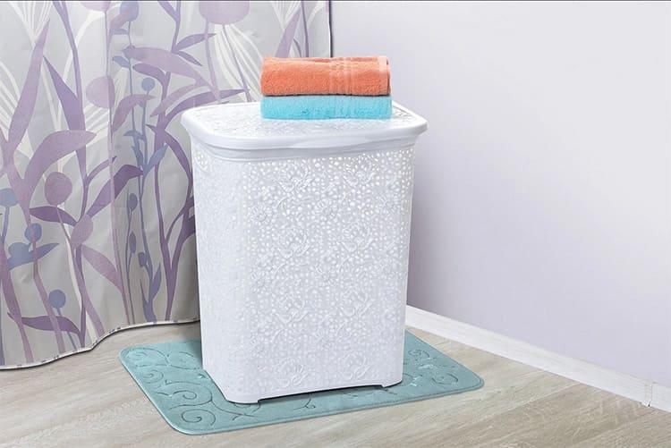 Пластиковые корзины, пожалуй, самый практичный вариант
