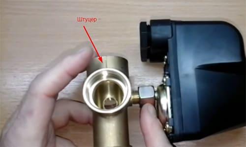 Контроль давления воды: нюансы использования реле для насоса