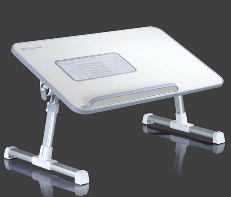 Накроватный столик с кулером для ноутбука и завтрака