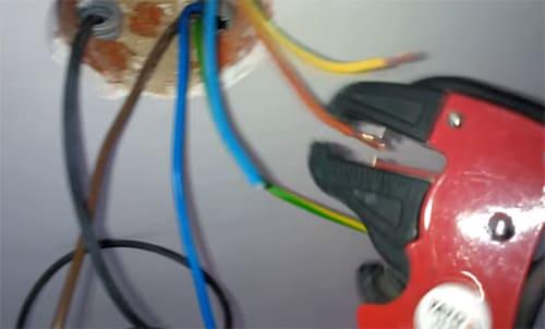 Терморегулятор для тёплого пола: особенности конструкций разных видов, способы монтажа